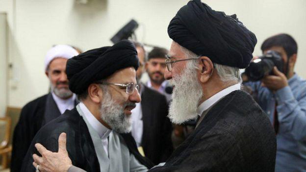 Afbeeldingsresultaat voor رئیسی روحانی و خامنه ای